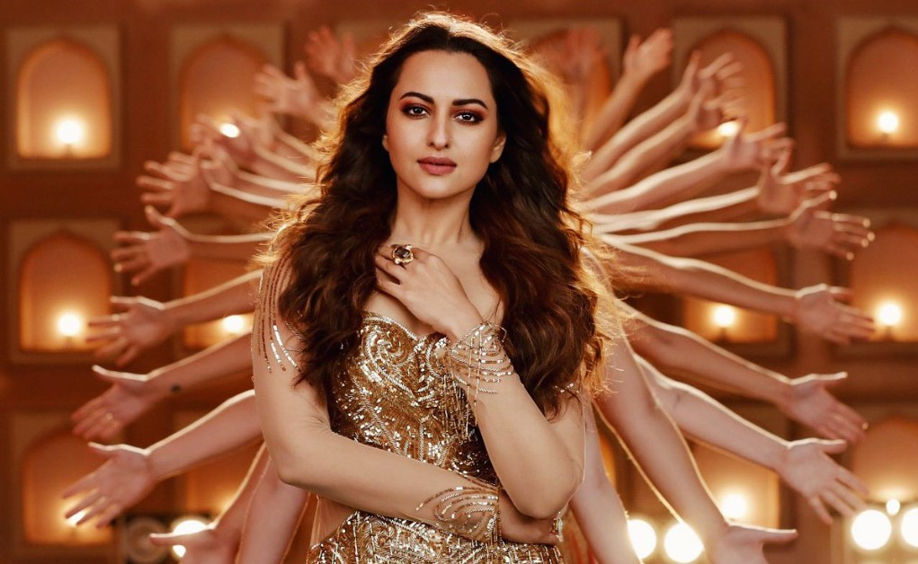 """Total Dhamaal's """"Mungda Song"""" out Now, Ajay Devgn & Sonakshi Sinha"""