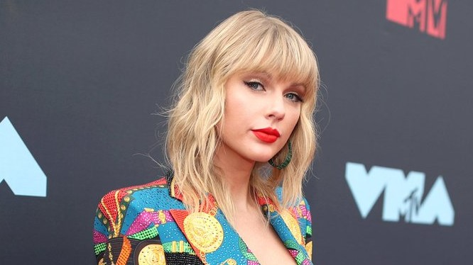 Taylor Swift joins The Voice as a mentor.