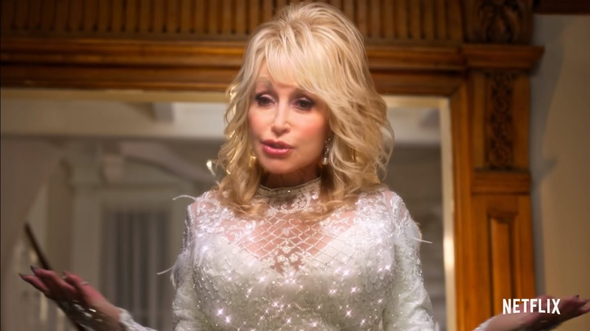 Dolly Parton's Christmas on the Square (2020) Cast, Release Date, Plot, Trailer